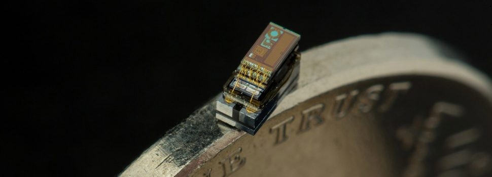 The size of a grain of rice, researchers unveil the world's smallest computers