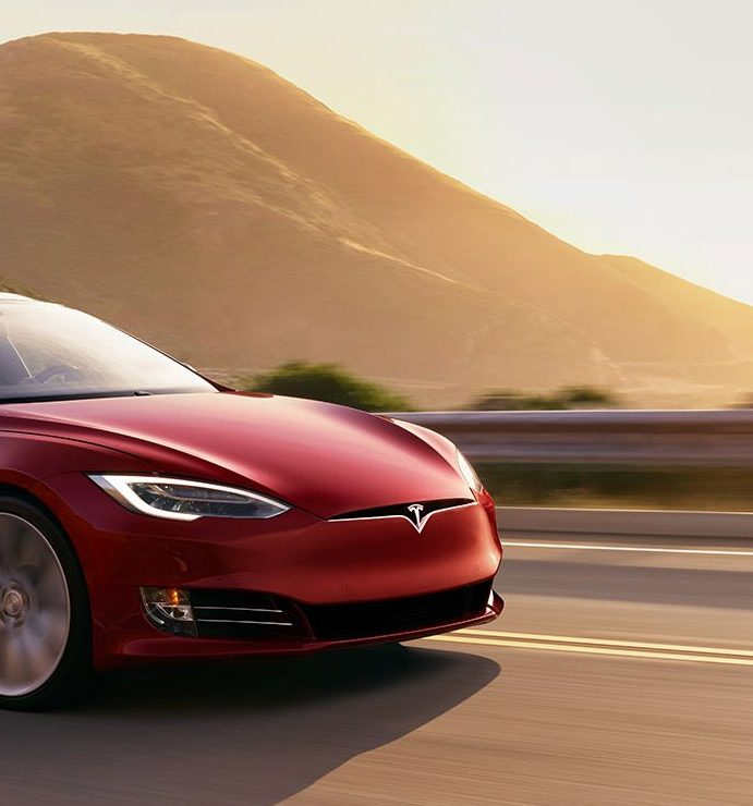 Tesla's self-driving cars will drive coast to coast in 2018