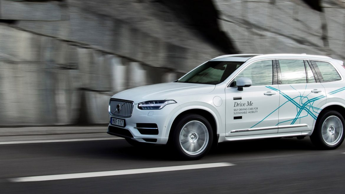 Uber puts 100 autonomous cars and 1 million drivers out onto the streets